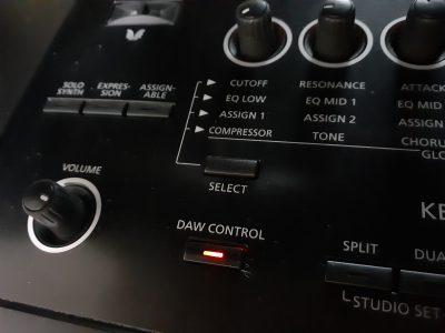 FA-07 DAW CONTROLボタン